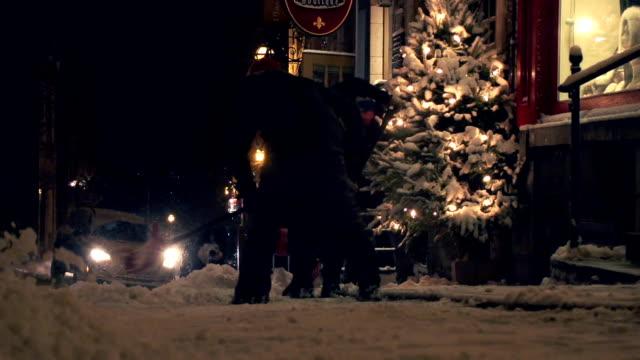 vidéos et rushes de city shopping de noël de nuit - province du québec