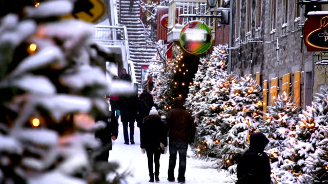 city christmas shopping - quebec stock videos & royalty-free footage