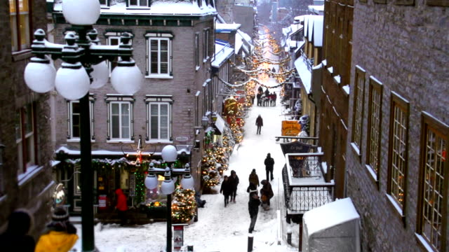 vidéos et rushes de city shopping de noël - place