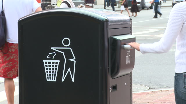 HD: City Garbage Bin