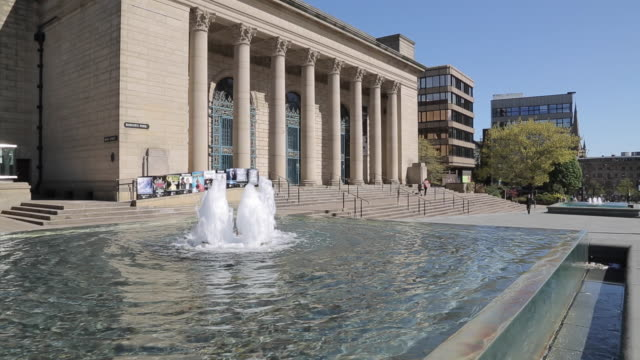 city hall in city centre, sheffield, south yorkshire, england, uk, europe - town hall stock videos & royalty-free footage