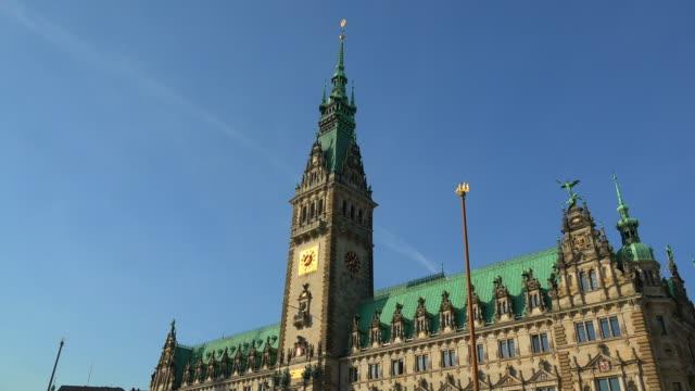 city hall of hamburg, germany - rathaus hamburg stock-videos und b-roll-filmmaterial