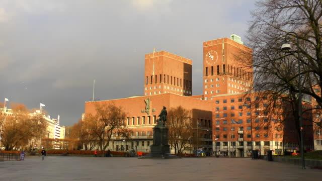 vidéos et rushes de hôtel de ville (rådhuset)-oslo, norvège - récompense