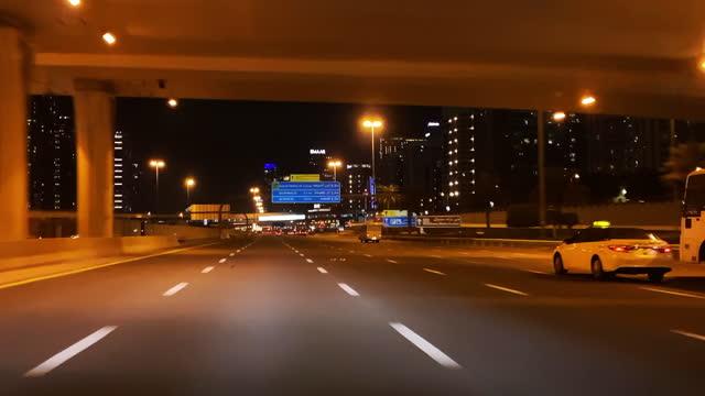 city life und belebte straßen von dubai - endlos film stock-videos und b-roll-filmmaterial