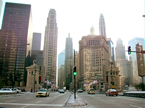 city life in chicago. - driveway stock videos & royalty-free footage