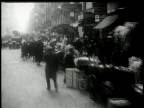 1913 MONTAGE city life / New York, New York, United States