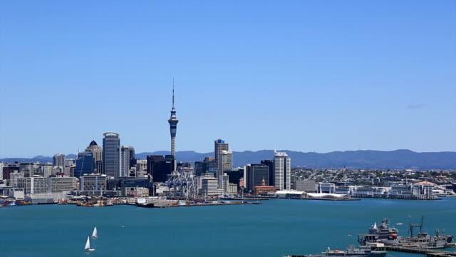 オークランドからの街の眺めをもつデボンポート、ニュージーランド