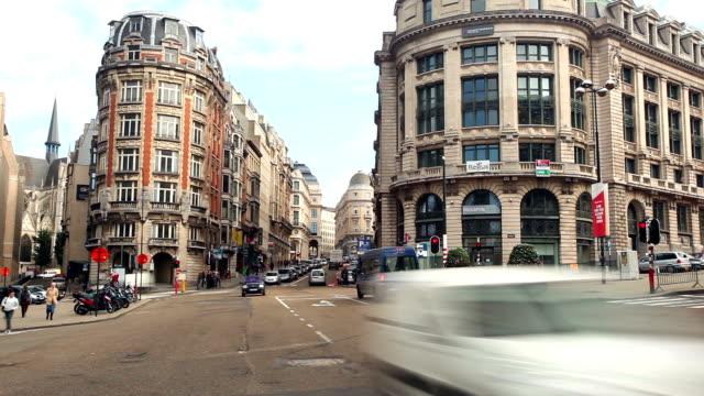 stockvideo's en b-roll-footage met city of brussels - bus