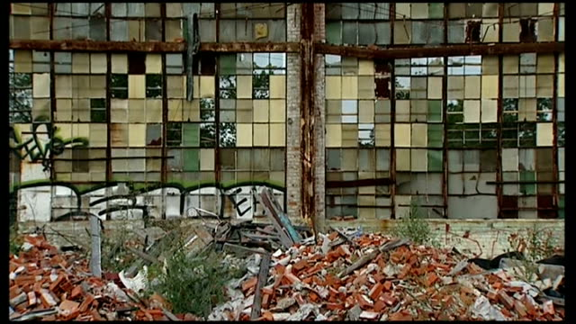 City of Detroit files for bankruptcy USA Michigan Detroit EXT Various of rundown and derelict factories