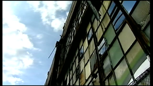 city of detroit files for bankruptcy; usa: michigan: detroit: ext various of run-down and derelictfactories and houses in detroit - bankruptcy stock videos & royalty-free footage