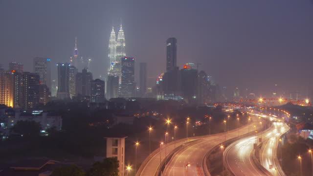 vidéos et rushes de city of kuala lumpur, malaysia - tour menara kl