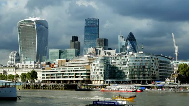 stockvideo's en b-roll-footage met pan city of london and hms belfast museum ship - imperial war museum museum