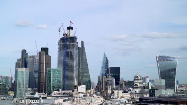 City of London und seinen Wolkenkratzern aus dem Westen