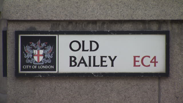 a city of london council street sign reads 'old bailey ec4' city of london london uk fkaz191x clip taken from programme rushes abpa740x - オールドベイリー点の映像素材/bロール