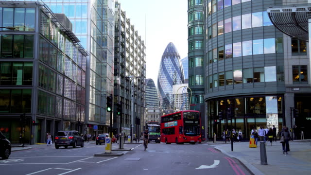 city of london from the north - nutzfahrzeug stock-videos und b-roll-filmmaterial