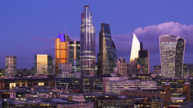 city of london skyline at dusk. zoom-in. - zoom in stock videos & royalty-free footage
