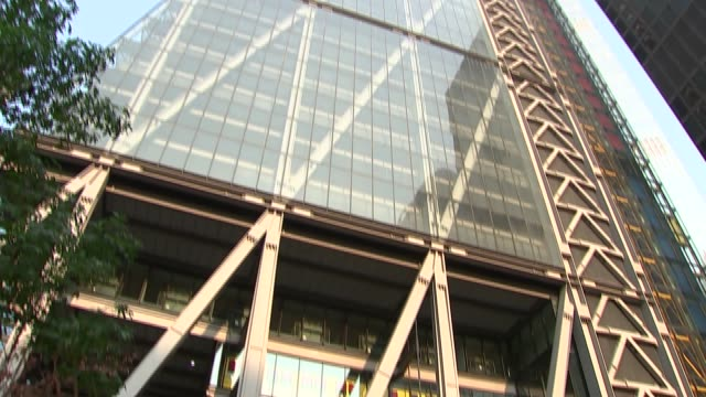 city of london sunrise and quiet streets at rush hour; england: london: city of london: ext / dawn wide shots of the city of london skyline at... - city of london stock videos & royalty-free footage