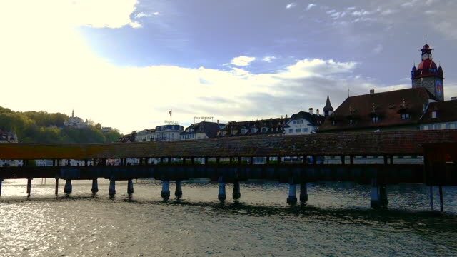 city of lucerne and chapel bridge over reuss river - old town点の映像素材/bロール