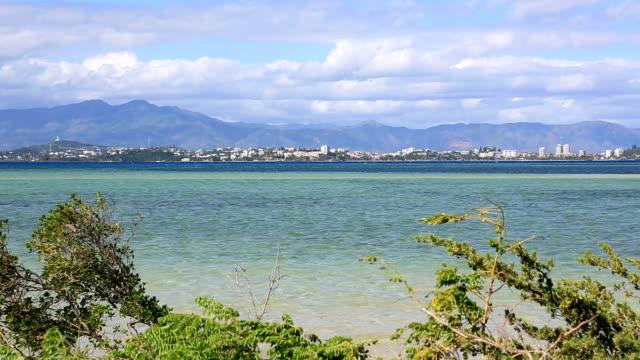 vidéos et rushes de ville de nouméa vue de l'îlot maître, nouvelle-calédonie - capitales internationales