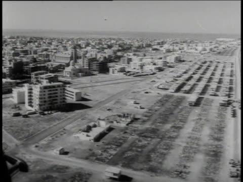 vídeos y material grabado en eventos de stock de city of suez and its canal / egypt - export palabra en inglés