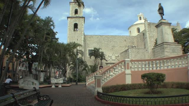 WS City park with colonial monument / Merida, Yucatan, Mexico