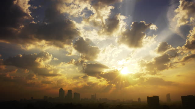 stockvideo's en b-roll-footage met city pollution with sunburst - zonsopgang