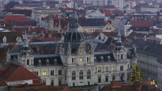 vídeos y material grabado en eventos de stock de city scenes of graz, austria - rathaus