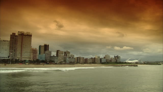 ws city skyline / durban, kwazuzlu natal, south africa - durban stock videos and b-roll footage