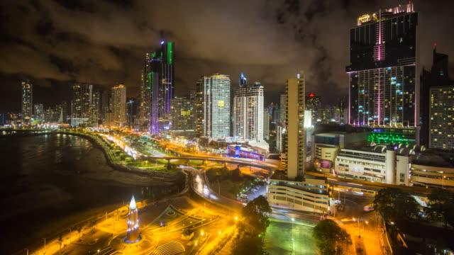 stockvideo's en b-roll-footage met city skyline illuminated at night, panama city, panama, central america - panamakanaal