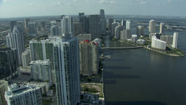 city skyscrapers, mid & high-rise buildings, biscayne bay right, streets, park, americanairlines arena. urban, cityscape. - biscayne bay stock-videos und b-roll-filmmaterial
