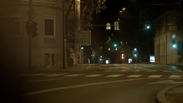 city street at night - empty stock videos & royalty-free footage