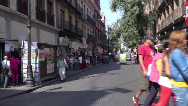 vídeos y material grabado en eventos de stock de city street in mexico - menos de diez segundos