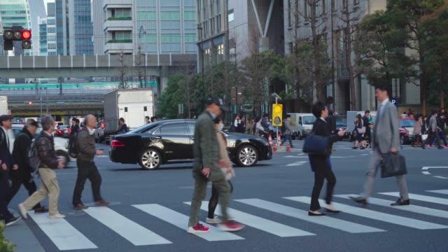 東京のシティストリート、日本 - 人の足点の映像素材/bロール