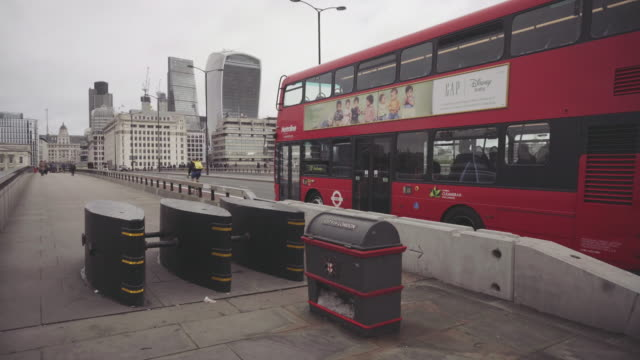 stockvideo's en b-roll-footage met city street of london: westminster bridge - terrorisme