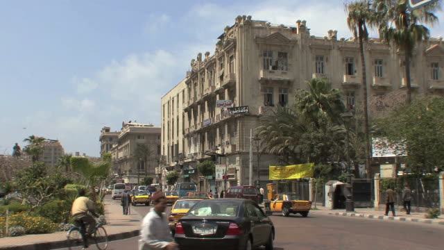 ws city traffic, alexandria, egypt - エジプト点の映像素材/bロール
