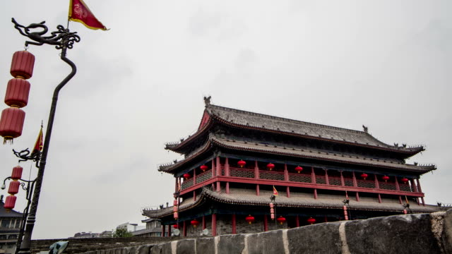 stadtmauer von south gate bridge, xi'an - surrounding wall stock-videos und b-roll-filmmaterial