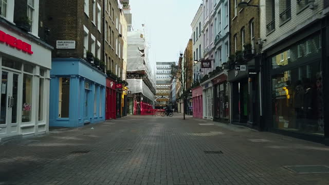 citylife and shopping in soho, london hyper lapse in london, u.k., on wednesday, february 10, 2021. - traffic time lapse stock videos & royalty-free footage