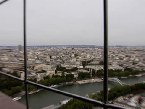 vidéos et rushes de ha, ws, zi, cityscape and arc de triomphe, paris, france - arc élément architectural
