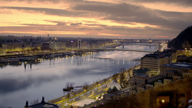 ws cityscape and danube river at dusk,budapest,hungary - budapest stock videos & royalty-free footage