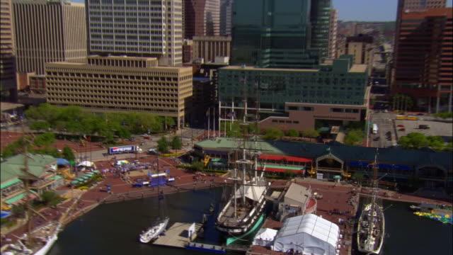 aerial, cityscape, baltimore, maryland, usa - hafen von baltimore stock-videos und b-roll-filmmaterial
