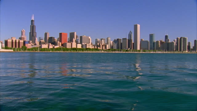 ms, tu, cityscape by lake, chicago, illinois, usa  - two prudential plaza stock videos & royalty-free footage
