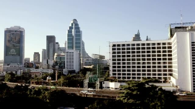 Stadsbilden flyger genom Bangkok