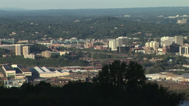 ws, ha, pan, cityscape from lookout mountain, chattanooga, tennessee, usa - chattanooga stock videos and b-roll footage