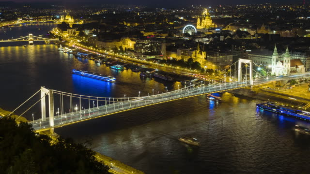 tl: cityscape of budapest on elisabeth bridge at night - traditionally hungarian stock videos & royalty-free footage