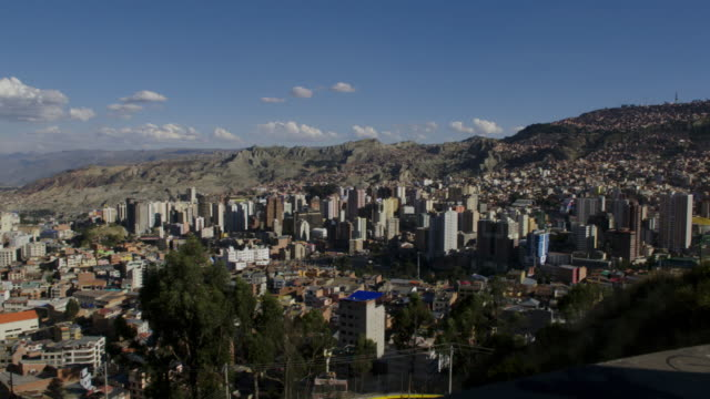 cityscape of la paz / la paz, bolivia - la paz bolivia stock videos & royalty-free footage