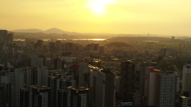 cityscape of mapo-gu and seodaemun-gu district at sunset / seoul, south korea - river han stock videos & royalty-free footage
