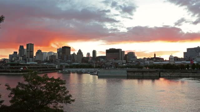 4K Stadtbild von Montreal, Quebec, Kanada bei Sonnenuntergang