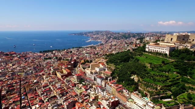 cityscape of naples with castel sant' elmo - ナポリ点の映像素材/bロール