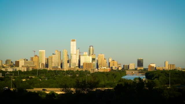 vídeos de stock e filmes b-roll de cityscape skyline sunset - austin texas usa 2020 - town