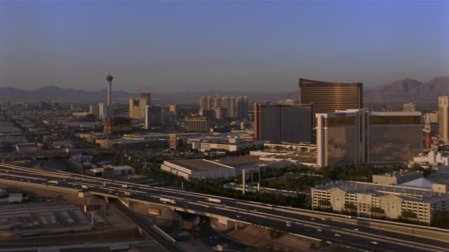 WS, Cityscape, traffic on interstate 15 in foreground, Las Vegas, Nevada, USA